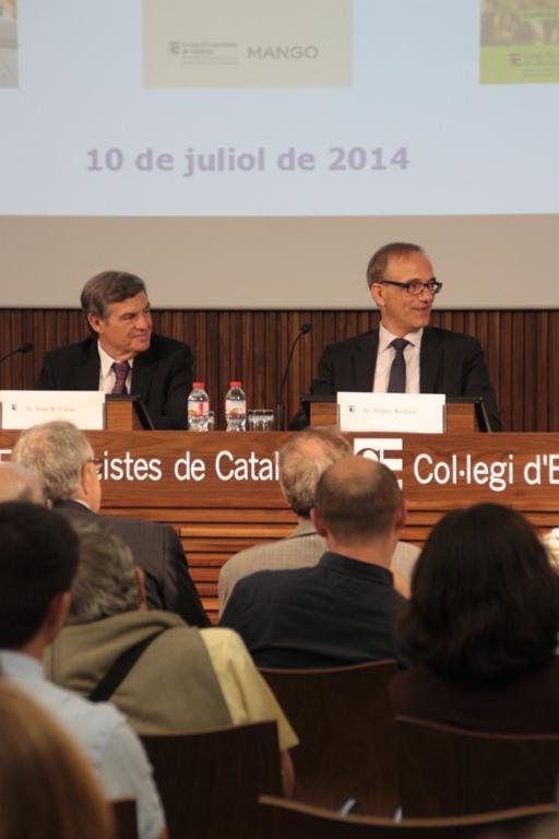 Joan B. Casas, degà del Col·legi, esquerra, i Jesper Wohlert, coordinador general d'Humana.