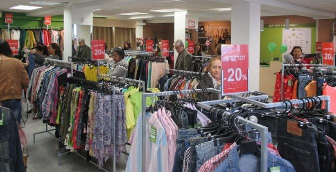 La botiga amplia l'oferta de moda sostenible a Barcelona.